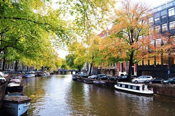 Du ngoạn đến những thành phố đẹp nhất vào mùa thu