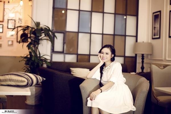 Hiền Trinhđạt giải nhất tiếng hát truyền hình năm 2012. Ngay sau khi kết thúc cuộc thi, thay vì việc tận dụng nó để làm bàn đạp cho các dự án âm nhạc lớn, Lưu Hiền Trinh lại dành thời gian để lo cho việc đám cưới.