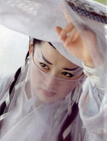 Hứa Tịnh (CTV - 2001), thể hiện nhân vật Nhậm Doanh Doanh thành công nhất và để lại ấn tượng nhiều nhất.