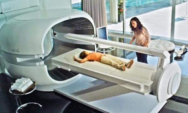 """Chiếc máy chữa bệnh """"thần kì"""" từ phim Elysium. Có chiếc máy này, chẳng còn bệnh tật và chắc các bác sĩ sẽ thất nghiệp mất thôi."""