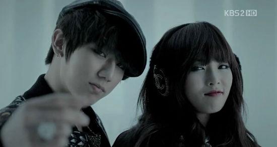 HyunA (4minute) và Hyunseung (Beast)