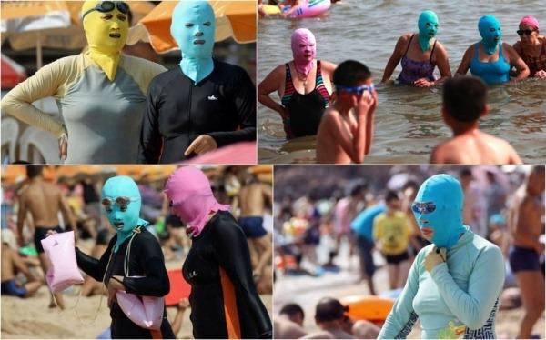 Khó đỡ thời trang đi biển cùng mặt nạ ninja