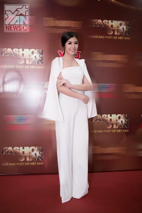 Ngắm Ngọc Hân duyên dáng làm MC Ngôi sao thiết kế Việt Nam 2013