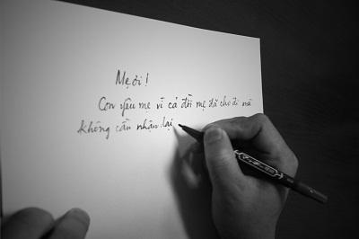Rơi nước mắt với thư gửi mẹ nơi quê nhà