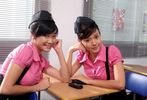 """Nhã Phương (trái) và Midu (phải) trong """"Những thiên thần áo trắng"""". - Tin sao Viet - Tin tuc sao Viet - Scandal sao Viet - Tin tuc cua Sao - Tin cua Sao"""