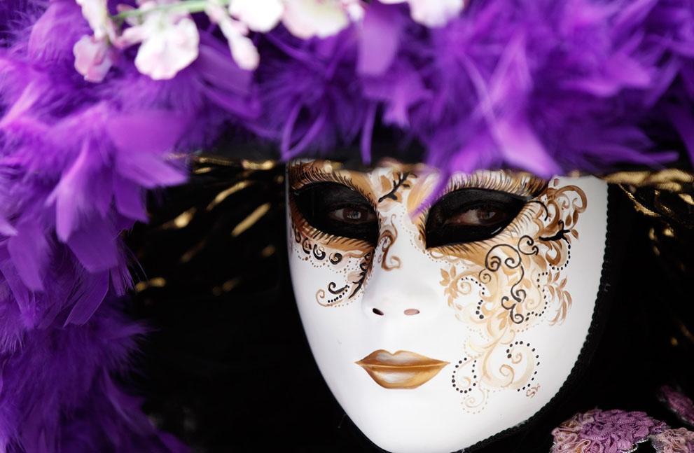Đêm tiệc được truyền cảm hứng mạnh mẽ từ đoàn xiếc nổi tiếng Cirque du Soleil