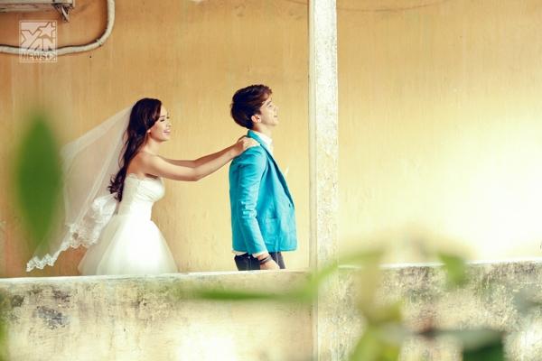 Cô dâu Ái Phương đẹp nhẹ nhàng vương chút cổ điển giữa Sài Gòn