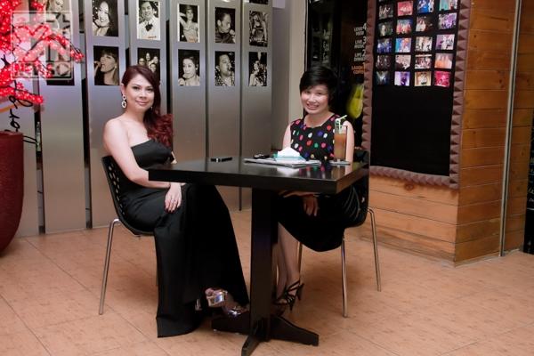 Rời khỏi sự kiện Thanh Thảo chạy vội về buổi ghi hình talk show Cafe với sao - Tin sao Viet - Tin tuc sao Viet - Scandal sao Viet - Tin tuc cua Sao - Tin cua Sao