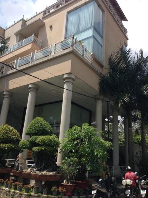 Căn biệt thự của gia đình Kim Thư nằm bên sông Sài Gòn - Tin sao Viet - Tin tuc sao Viet - Scandal sao Viet - Tin tuc cua Sao - Tin cua Sao