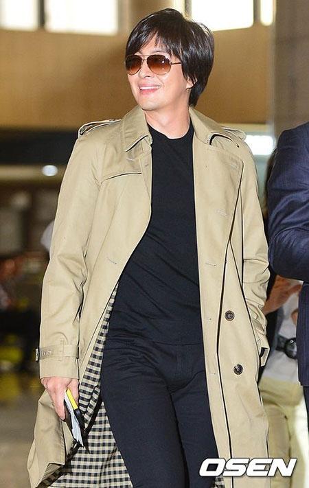 Rộ tin Bae Yong Joon ép nữ đồng nghiệp tiếp đại gia