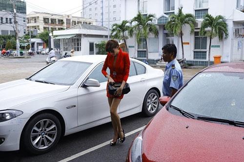Chiếc xe hơi BMW Võ Hoàng Yến sở hữu - Tin sao Viet - Tin tuc sao Viet - Scandal sao Viet - Tin tuc cua Sao - Tin cua Sao