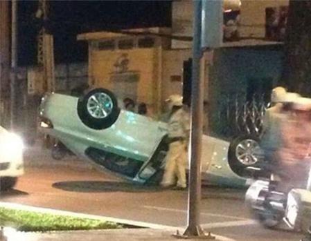 Hình ảnh vụ tai nạn kinh hoàng củaHoàng Yến. - Tin sao Viet - Tin tuc sao Viet - Scandal sao Viet - Tin tuc cua Sao - Tin cua Sao