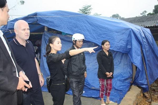 Vợ chồng Thu Minh hỗ trợ 2 tỷ đồng cho người nghèo tại Hà Tĩnh - Tin sao Viet - Tin tuc sao Viet - Scandal sao Viet - Tin tuc cua Sao - Tin cua Sao