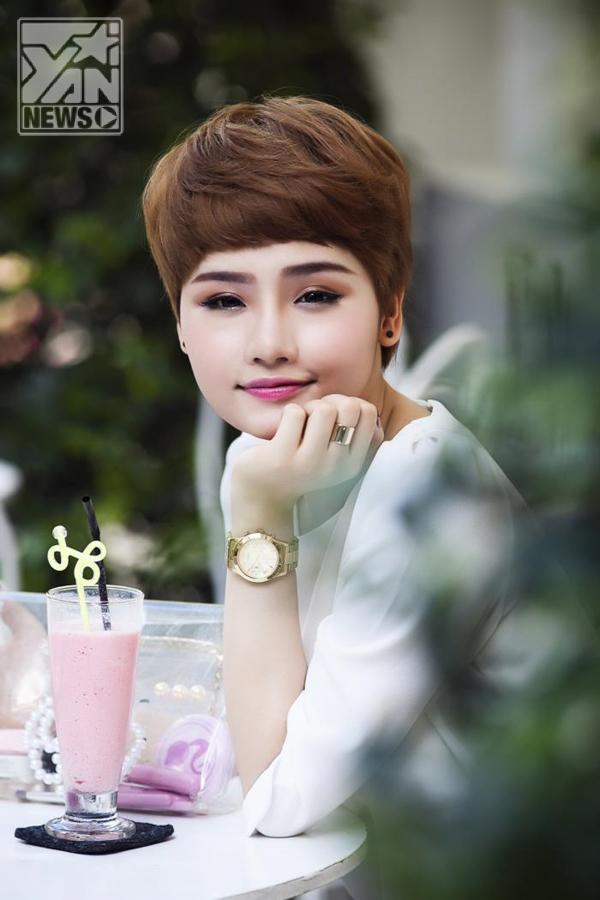 """Nhờ sự ủng hộ của khán giả, cô nghiêm túc quyết định theo đuổi sự nghiệp âm nhạc. Năm 2011, Miu Lê được mời tham gia một vai nhỏ trong bộ phim điện ảnh chiếu Tết mang tên Thiên sứ 99, không lâu sau đó cô còn đóng vai nữ chính trong phim truyền hình """"Oan gia đại chiến""""."""