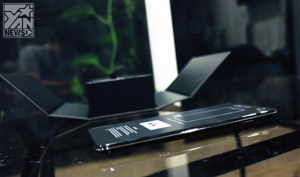 Trên tay Oppo Find Mirror phiên bản màu đen