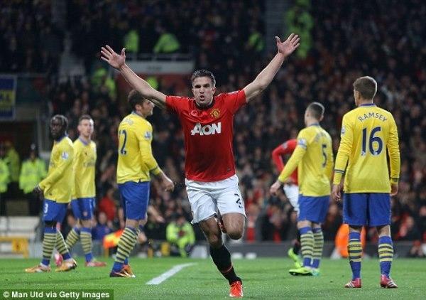 Van Persie hạnh phúc khi sút tung lưới Arsenal