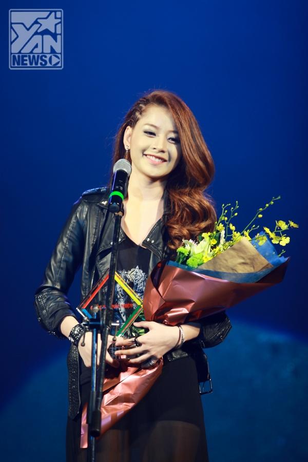 Chi Pu nhận giải Thần tượng của giới trẻ - Tin sao Viet - Tin tuc sao Viet - Scandal sao Viet - Tin tuc cua Sao - Tin cua Sao