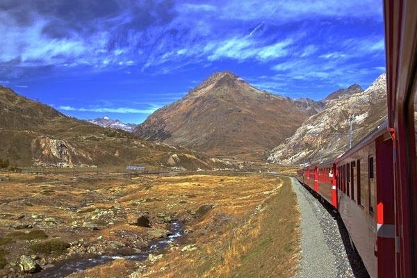 8 cung đường sắt đẹp trên thế giới
