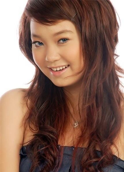 """Minh Hằng từng là một cô ca sĩ có gương mặt phúng phính và hơi """"tròn"""" về ngoại hình."""