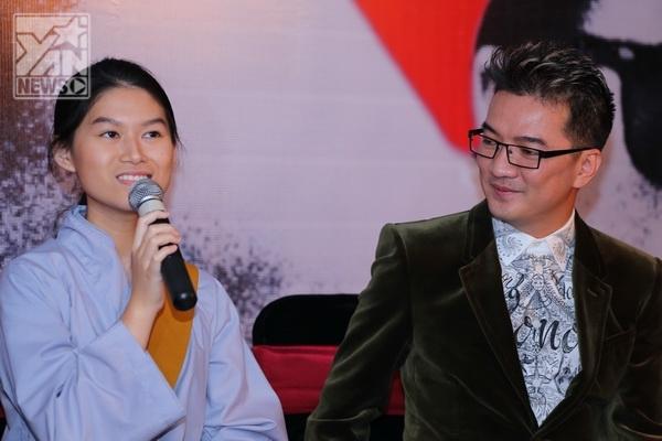 Đàm Vĩnh Hưng và diễn viên Ngọc Thanh Tâm trong buổi ra mắt đoàn làm phim Hiệp sỹ mù