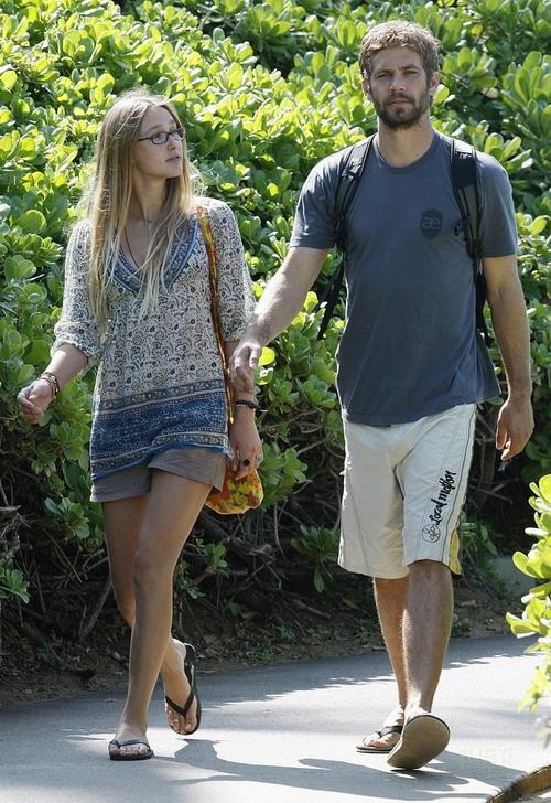 Cả hai hẹn hò từ năm 2006 đến năm 2011 khi Jasmine đòi chia tay. Đây cũng là mối quan hệ tình cảm lâu nhất của Paul.