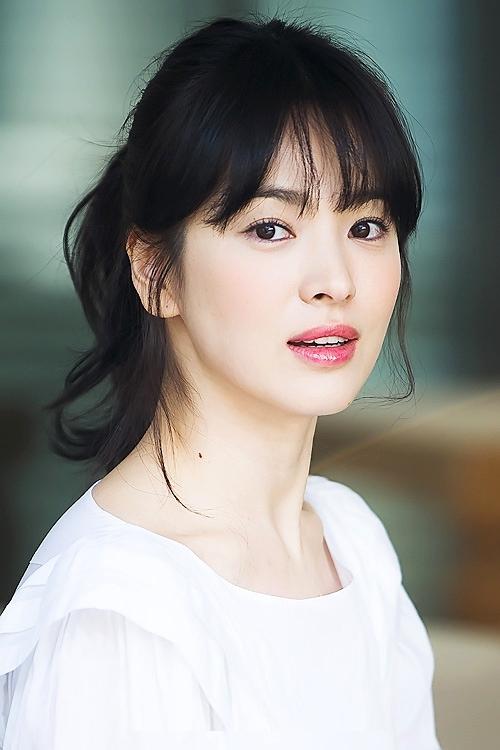 Song Hye Kyo đứng thứ 8 trong bảng Nghệ sĩ được tìm kiếm nhiều nhất năm.