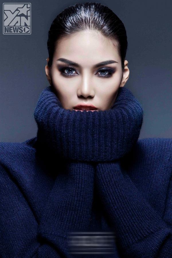 Siêu mẫu Lan Khuê ấn tượng với áo khoác dáng dài ấm áp ngày đông