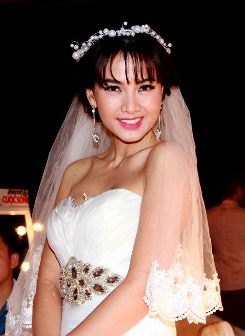 Ngoài ra, còn nhiều kiều nữ Việt khác như Anh Thư - Tin sao Viet - Tin tuc sao Viet - Scandal sao Viet - Tin tuc cua Sao - Tin cua Sao