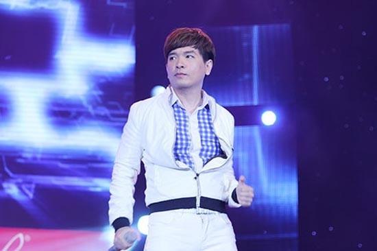 Trước khi mất tích, Việt Quang là một ca sĩ rất hút khách trong làng giải trí.