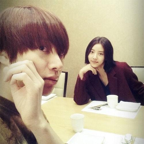 [Mlog Sao] G-Dragon khoe màu tóc mới, JaeJoong du hí Nhật Bản
