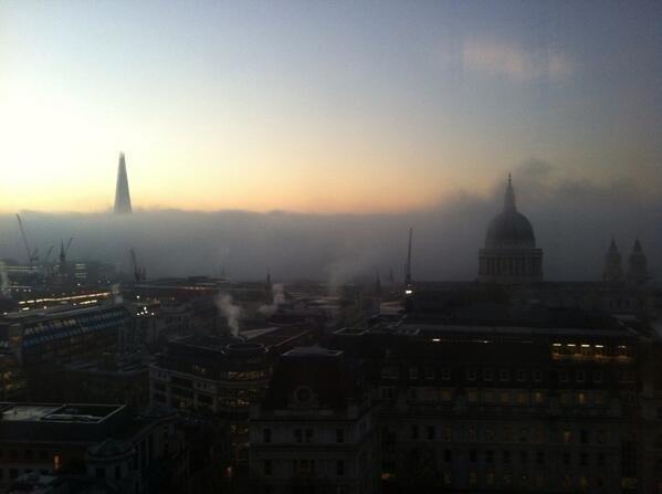 Ngắm chùm ảnh tuyệt đẹp: thành phố sương mù London