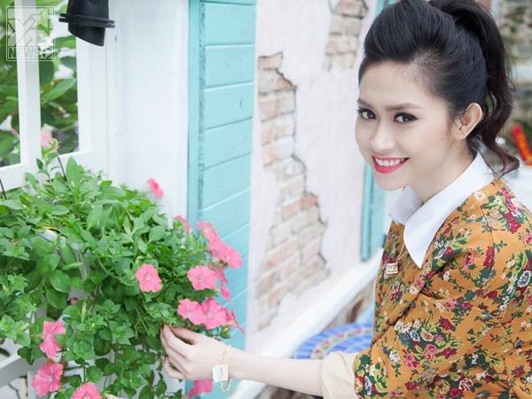 Ngắm phong cách dạo phố ngày se lạnh của người đẹp Triều Thu