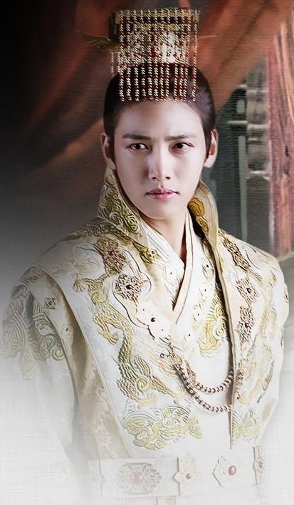 """Huizong là vị Hoàng đế non nớt, có thể là nhân vật gây bực mình nhất trong Empress Ki, nhưng tình cảm đáng yêu mà """"đứa trẻ to xác"""" này dành cho nhân vật của Ha Ji Won đã biến Huizong thành thật dễ thương."""