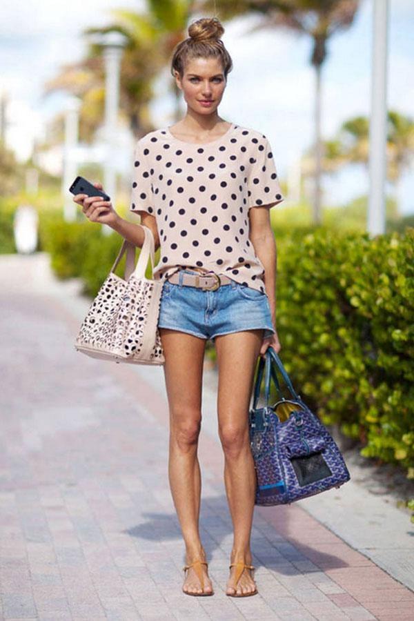 Tuần lễ thời trang Xuân/Hè 2014 tại London mang đến một style tươi mới và mát mẻ với váy voan họa tiết xinh xắn. Ở xứ nắng ấm Miami, Jessica Hart mang đến bữa tiệc Art Basel 2013 phong cách thời trang đường phố thoải mái với sooc jeans, áo cộc tay và sandals bệt dễ thương.