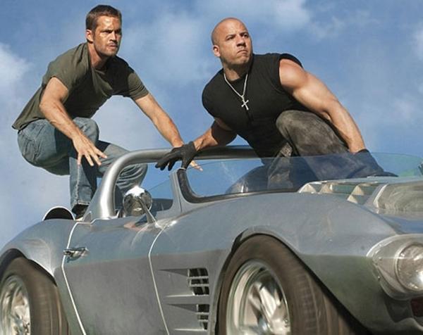 "Paul và Vin Diesel trong ""Fast & Furious 5"""