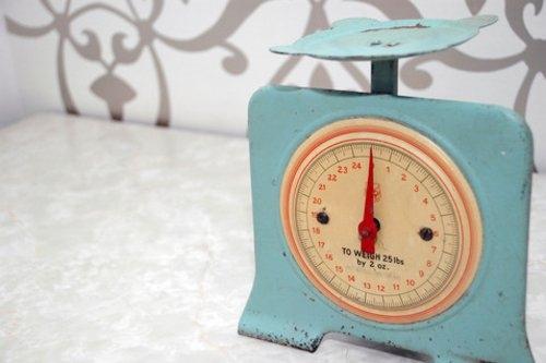 Phụ nữ và nỗi ám ảnh bất  biến về cân nặng