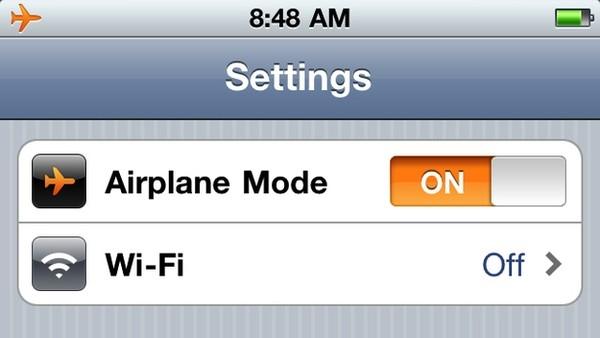 Khi đặt iPhone vào chế độ máy bay, máy sẽ sạc nhanh gấp đôi bình thường.
