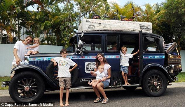 Đáng nể gia đình du lịch vòng quanh thế giới trong 13 năm