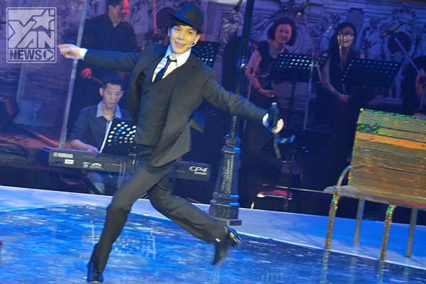 """Nathan Lee """"siêu ngố"""" khi thể hiện vũ đạo."""