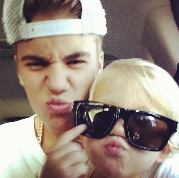 Justin Bieber khoe ảnh nhí nhảnh cùng em trai Jaxon