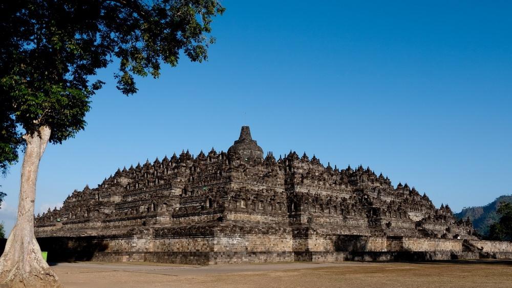 Borobudur - kỳ quan Phật giáo lớn nhất thế giới