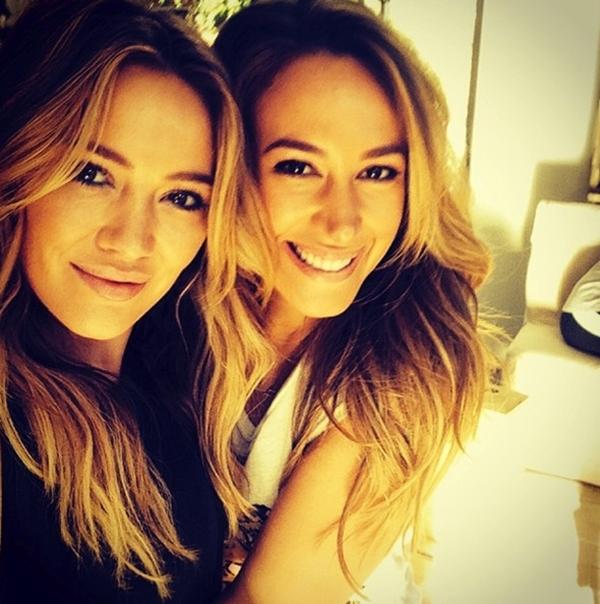 Chị em nhà Duff xinh đẹp và quyến rũ trong 1 shoot hình