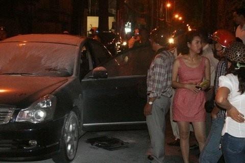 Lê Khánh từng bị một phen hoảng hồn khi xe hơi cá nhân bùng cháy dữ dội lúc cô đang trên xe cùng một người bạn. - Tin sao Viet - Tin tuc sao Viet - Scandal sao Viet - Tin tuc cua Sao - Tin cua Sao
