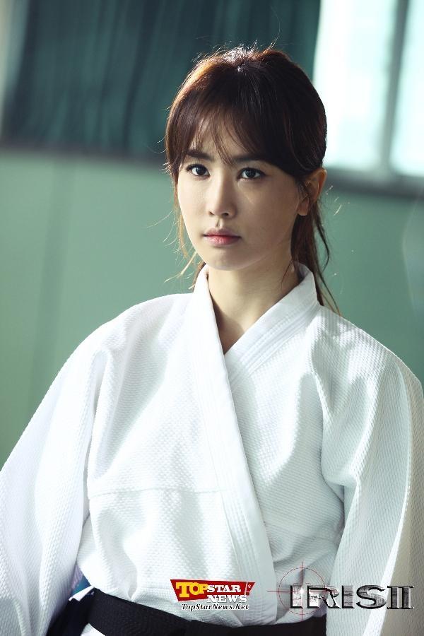 Lee Da Hae cực kỳ nhập vai nữ đặc vụ giỏi võ siêu đẳng trong IRIS II