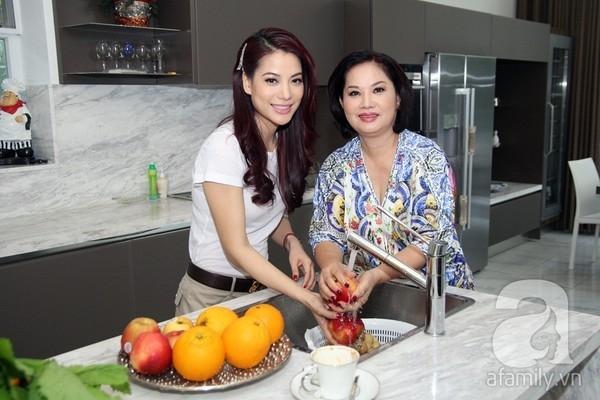 Người mẹ trẻ đẹp của nữ diễn viên TrươngNgọc Ánh.