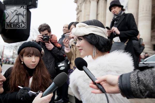 """Không thua kém Sao Hàn, Lý Nhã Kỳ được báo chí nước ngoài """"săn đón"""" tại Pháp - Tin sao Viet - Tin tuc sao Viet - Scandal sao Viet - Tin tuc cua Sao - Tin cua Sao"""