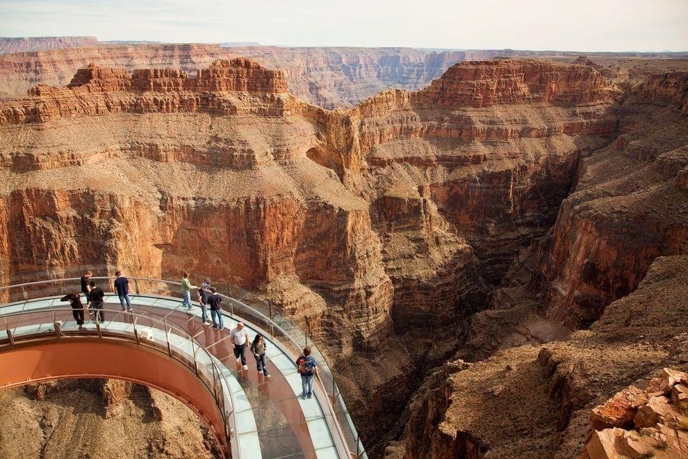 8 thềm treo ngắm cảnh trên cao đáng sợ nhất thế giới