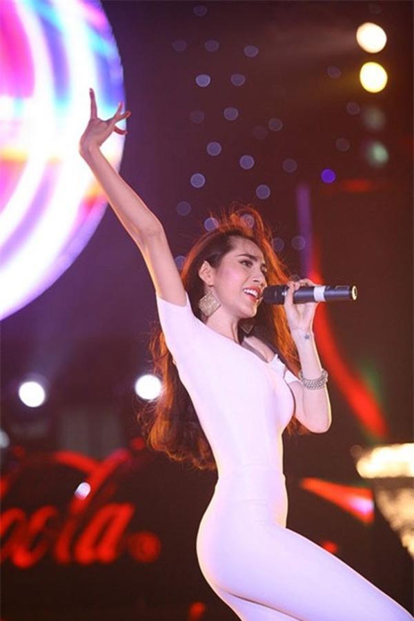 Điểm danh mỹ nhân Việt sở hữu đường cong đắt giá nhất showbiz