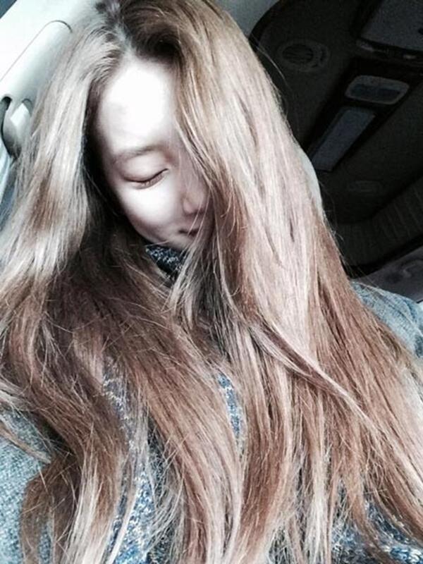 Suzy với bức ảnh tự sướng ở Hong Kong