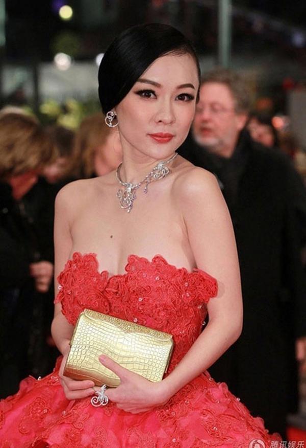Người đẹp Hoắc Tư Yến luôn biết làm bản thân trở nên nổi bật trong đám đông - Tin sao Viet - Tin tuc sao Viet - Scandal sao Viet - Tin tuc cua Sao - Tin cua Sao